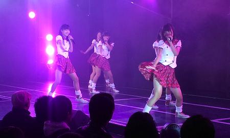 HKT劇場1周年記念公演 田島、深川、上野、岡本、渕上の「スカート、ひらり」