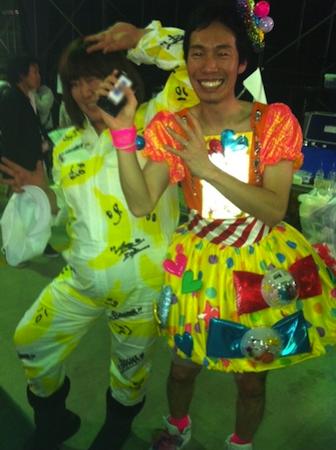 戸賀崎さんとしのぶさんがサプライズでバナナを配りました4