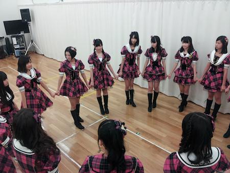 博多レジェンド公演!!  メンバーの円陣も気合い十分!